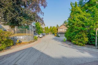 """Photo 3: 18 6238 192 Street in Surrey: Cloverdale BC Townhouse for sale in """"BAKERVIEW TERRACE"""" (Cloverdale)  : MLS®# R2602232"""