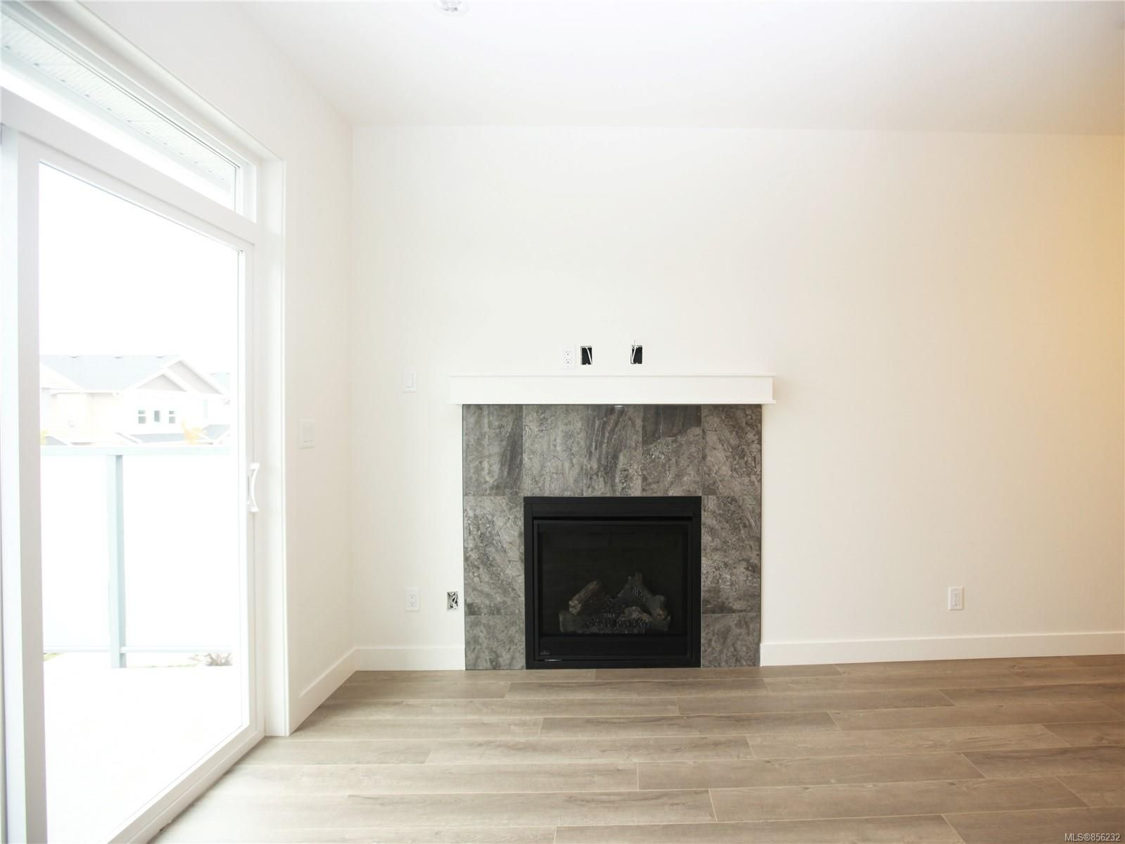 Photo 8: Photos: 596 Lance Pl in : Na University District House for sale (Nanaimo)  : MLS®# 856232