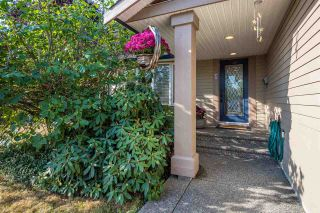 Photo 3: 18537 58 Avenue in Surrey: Cloverdale BC House for sale (Cloverdale)  : MLS®# R2302962