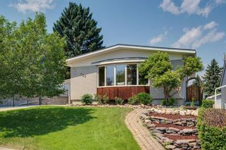Main Photo: 720 104 Avenue SW in Calgary: Southwood Detached for sale : MLS®# A1132393