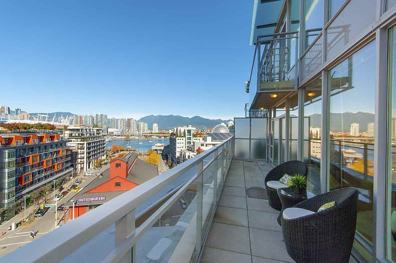 """Photo 14: Photos: 1101 88 W 1ST Avenue in Vancouver: False Creek Condo for sale in """"THE ONE"""" (Vancouver West)  : MLS®# R2234746"""