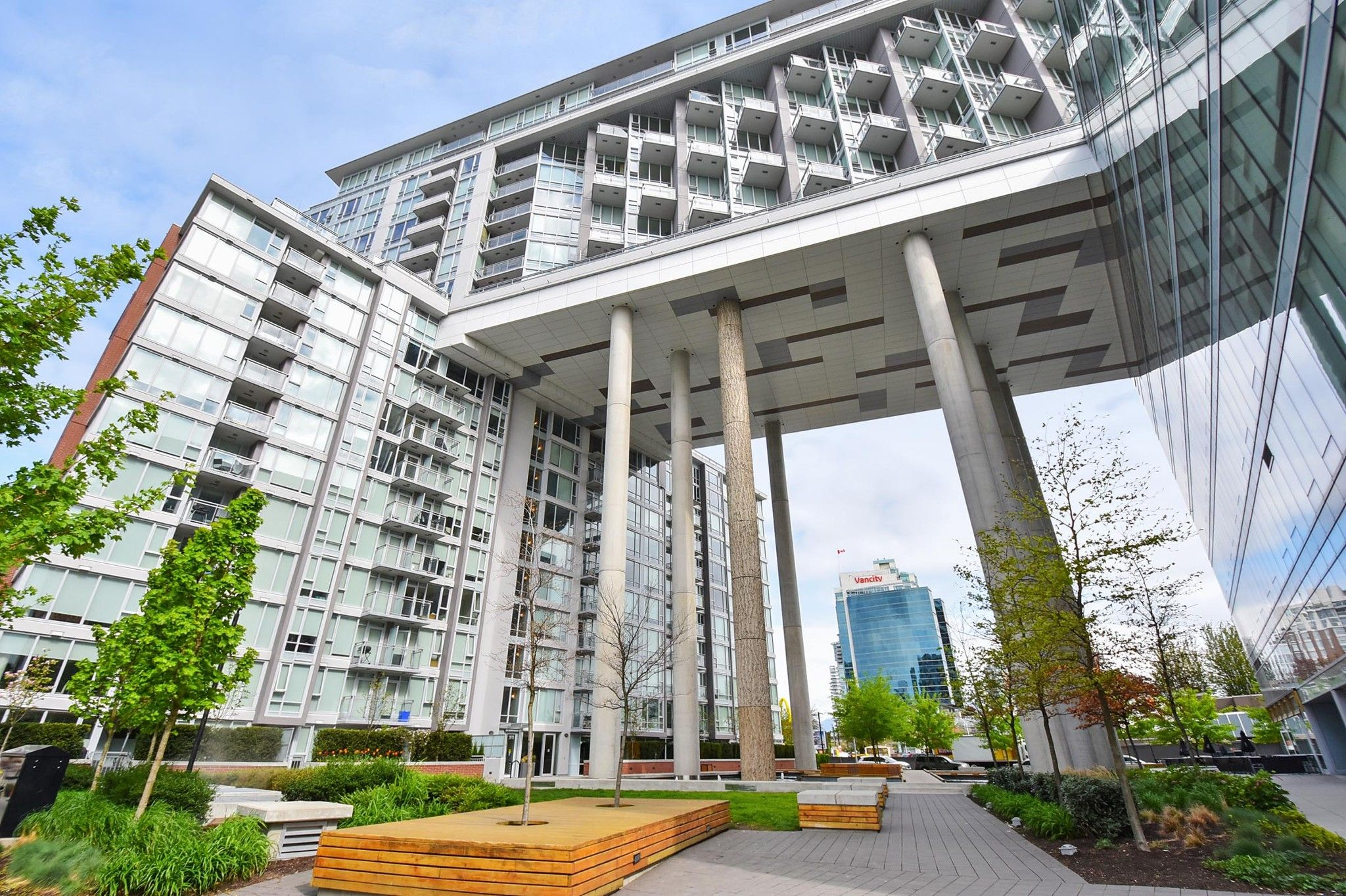 "Main Photo: 206 1618 QUEBEC Street in Vancouver: Mount Pleasant VE Condo for sale in ""CENTRAL"" (Vancouver East)  : MLS®# R2262451"