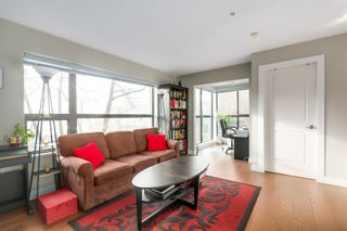 """Photo 6: 412 997 W 22ND Avenue in Vancouver: Shaughnessy Condo for sale in """"THE CRESCENT IN SHAUGHNESSY"""" (Vancouver West)  : MLS®# R2005322"""