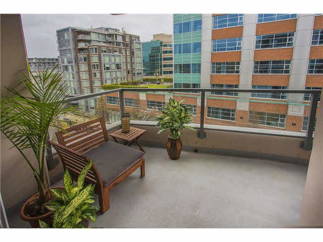"""Photo 12: Photos: 702 587 W 7TH Avenue in Vancouver: Fairview VW Condo for sale in """"AFFINITI"""" (Vancouver West)  : MLS®# V1118328"""
