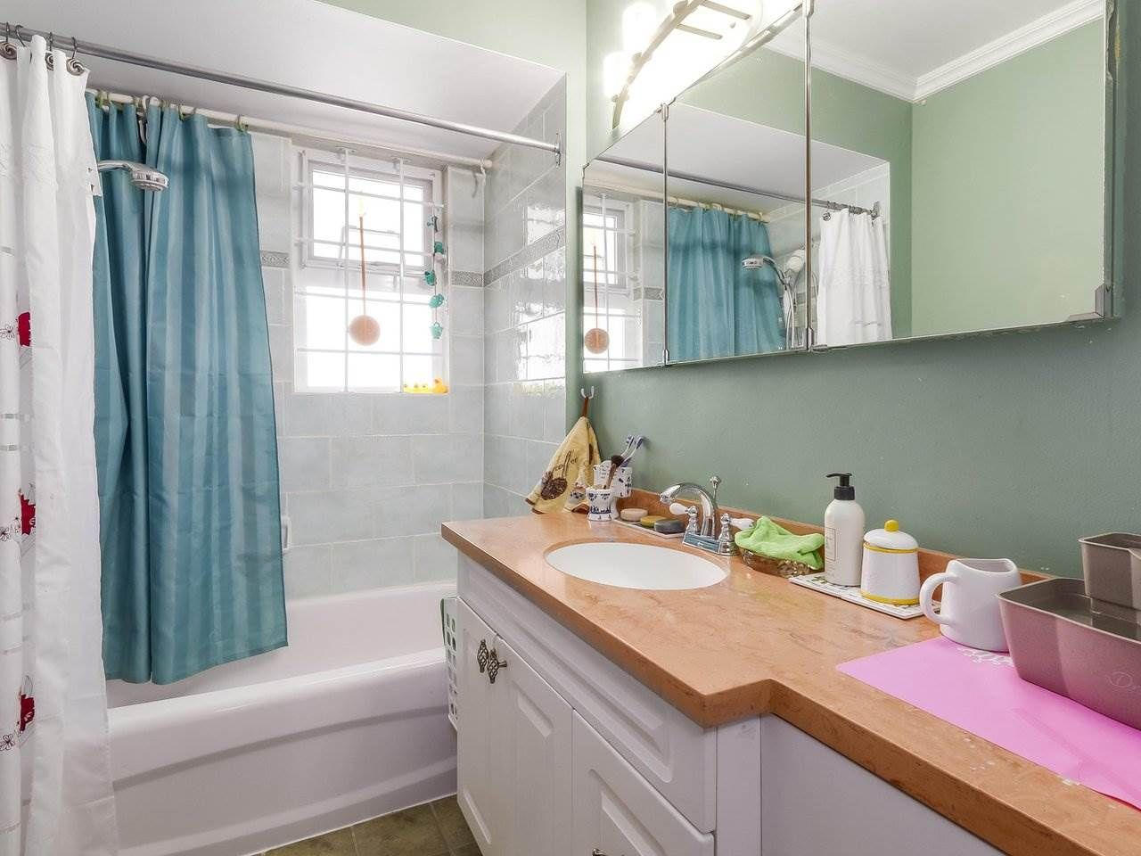 Photo 10: Photos: 165 E 55TH AVENUE in Vancouver: South Vancouver House for sale (Vancouver East)  : MLS®# R2297472