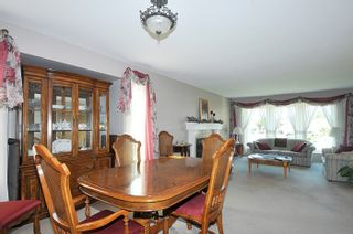 """Photo 5: 12217 CHESTNUT Crescent in Pitt Meadows: Mid Meadows House for sale in """"SOMERSET"""" : MLS®# R2073485"""