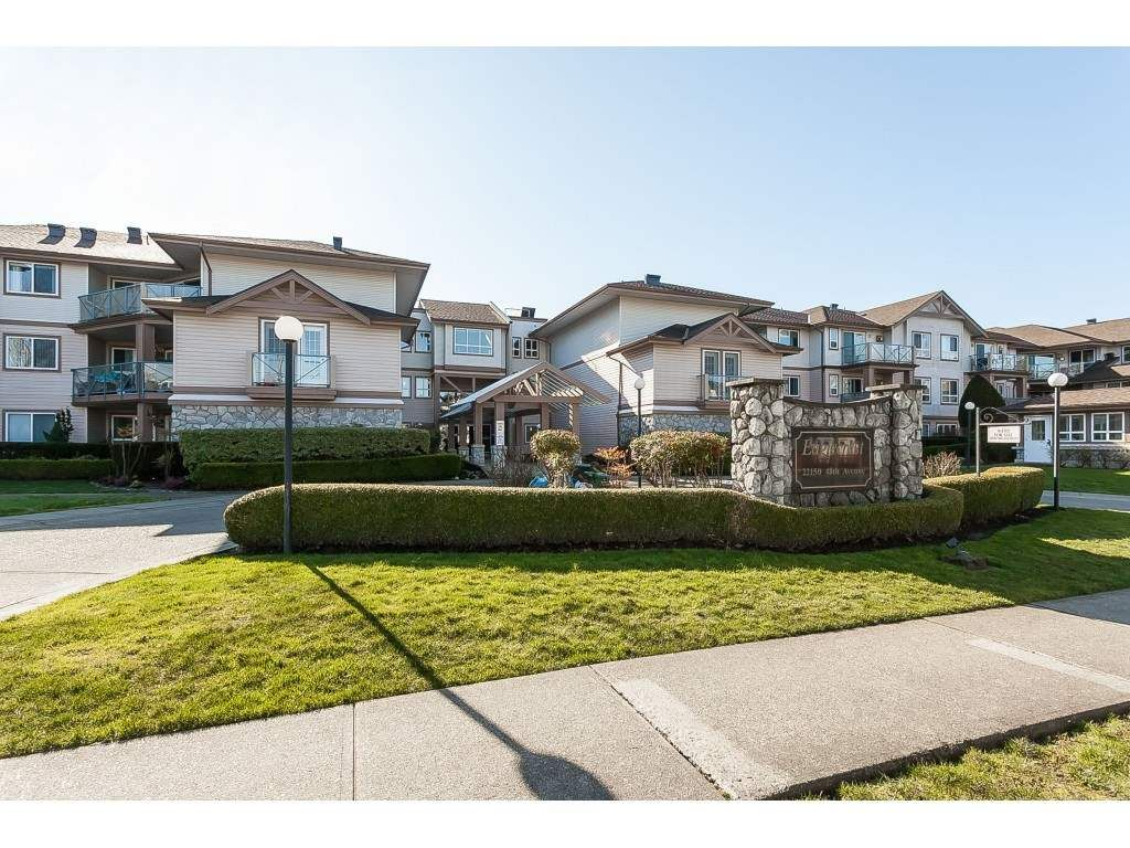 """Main Photo: 219 22150 48 Avenue in Langley: Murrayville Condo for sale in """"Eaglecrest"""" : MLS®# R2439305"""