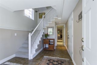 Photo 2: 15439 GOGGS AVENUE: White Rock House for sale (South Surrey White Rock)  : MLS®# R2304662