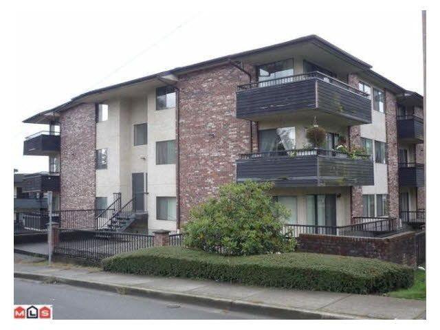 """Main Photo: 207 33956 ESSENDENE Avenue in Abbotsford: Central Abbotsford Condo for sale in """"Hillcrest Manor"""" : MLS®# R2104673"""