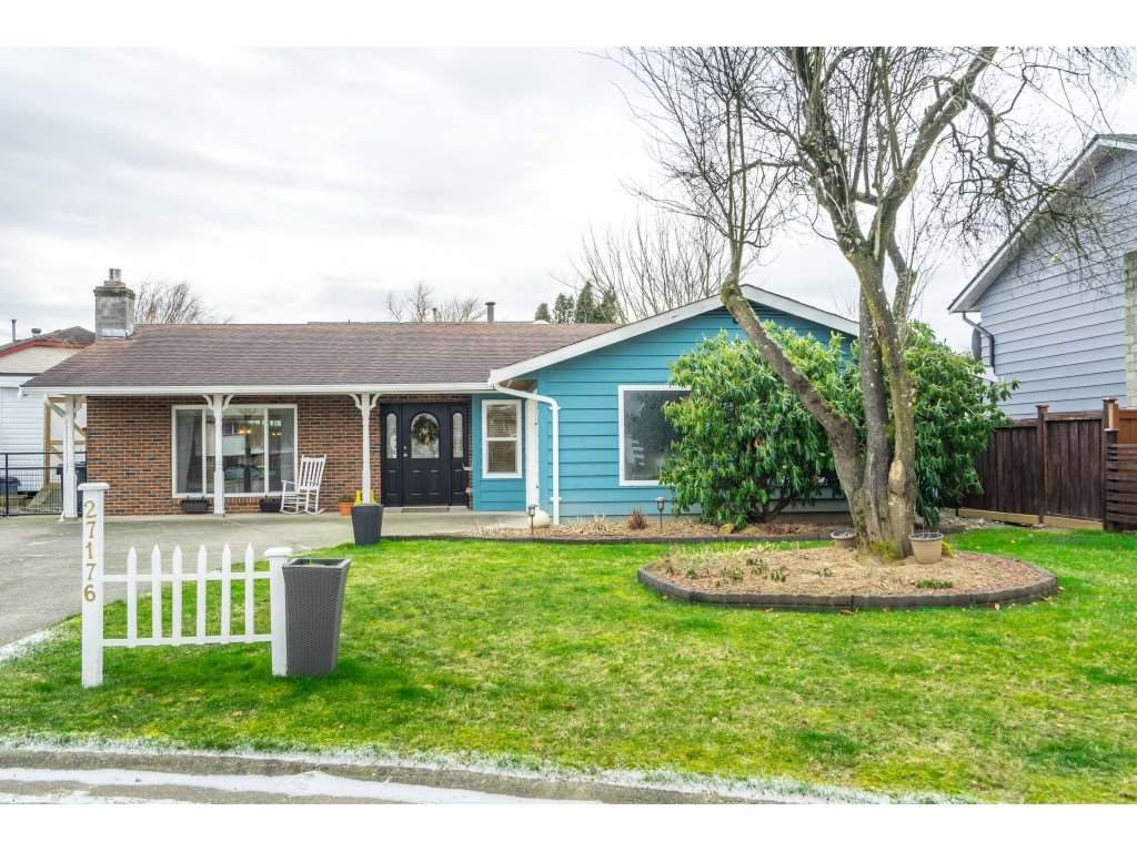 Main Photo: 27176 33A Avenue in Langley: Aldergrove Langley House for sale : MLS®# R2537871