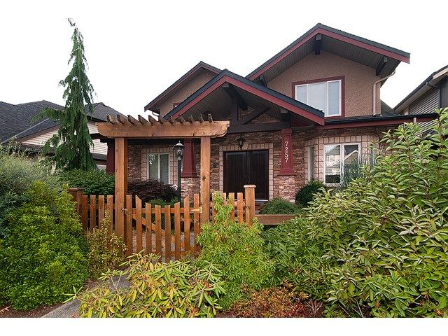 Main Photo: 7257 197B Street in Langley: Willoughby Heights House for sale : MLS®# F1448433