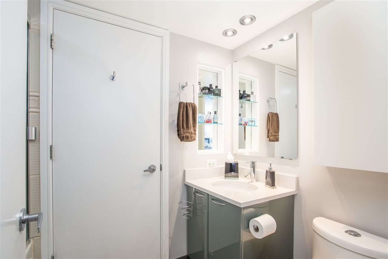 """Photo 11: Photos: 1008 1068 HORNBY Street in Vancouver: Downtown VW Condo for sale in """"The Canadian"""" (Vancouver West)  : MLS®# R2389948"""