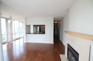 """Photo 11: 2006 1077 MARINASIDE Crescent in Vancouver: Yaletown Condo for sale in """"MARINASIDE RESORT"""" (Vancouver West)  : MLS®# R2074726"""