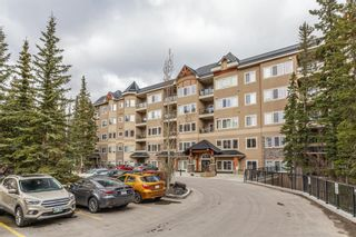 Photo 2: 402 20 Discovery Ridge Close SW in Calgary: Discovery Ridge Apartment for sale : MLS®# A1096409