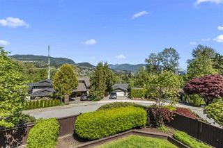"""Photo 10: 3225 SAIL Place in Coquitlam: Ranch Park House for sale in """"Ranch Park"""" : MLS®# R2455319"""
