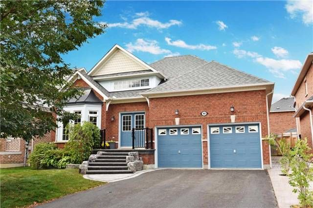 Main Photo: 48 Helston Crescent in Whitby: Brooklin House (Bungalow) for sale : MLS®# E3933189