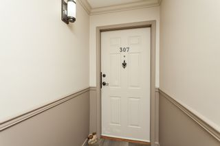 """Photo 4: 307 15941 MARINE Drive: White Rock Condo for sale in """"THE HERITAGE"""" (South Surrey White Rock)  : MLS®# R2408083"""