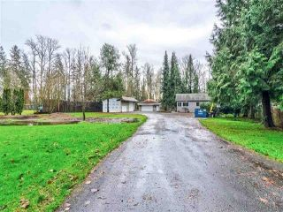Photo 1: 20838 LOUIE Crescent in Langley: Walnut Grove House for sale : MLS®# R2391632