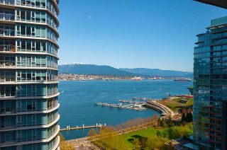 """Main Photo: 1802 1205 W HASTINGS Street in Vancouver: Coal Harbour Condo for sale in """"Cielo"""" (Vancouver West)  : MLS®# R2571726"""