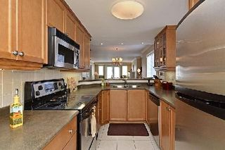 Photo 3: 3 520 Silken Laumann Drive in Newmarket: Stonehaven-Wyndham Condo for sale : MLS®# N2830648