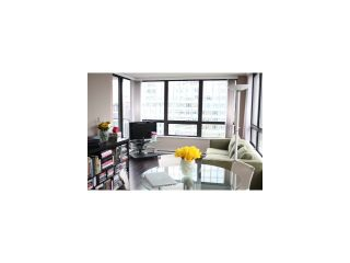 Photo 3: # 1718 938 SMITHE ST in Vancouver: Downtown VW Condo for sale (Vancouver West)  : MLS®# V1067462