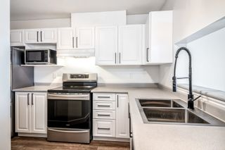 """Photo 2: 307 624 AGNES Street in New Westminster: Downtown NW Condo for sale in """"McKenzie Steps"""" : MLS®# R2601260"""