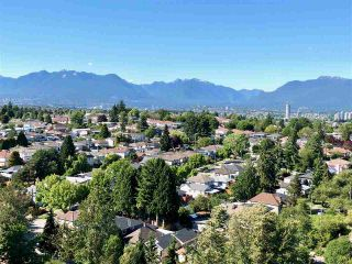 """Photo 3: 2010 3663 CROWLEY Drive in Vancouver: Collingwood VE Condo for sale in """"Latitude"""" (Vancouver East)  : MLS®# R2281441"""