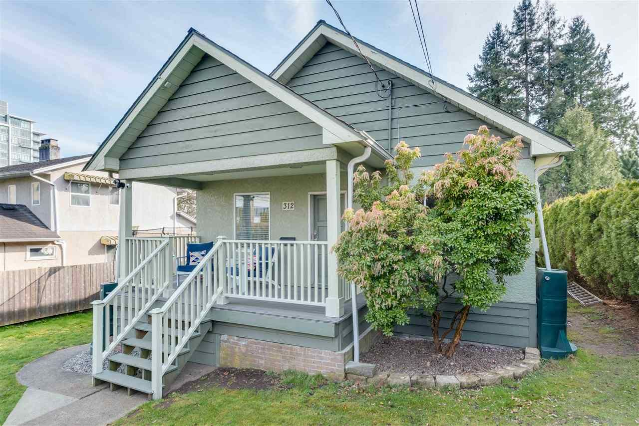 Main Photo: 312 SIMPSON Street in New Westminster: Sapperton House for sale : MLS®# R2552039