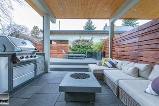 Photo 7: 358 E 11TH Street in North Vancouver: Central Lonsdale 1/2 Duplex for sale : MLS®# R2578539
