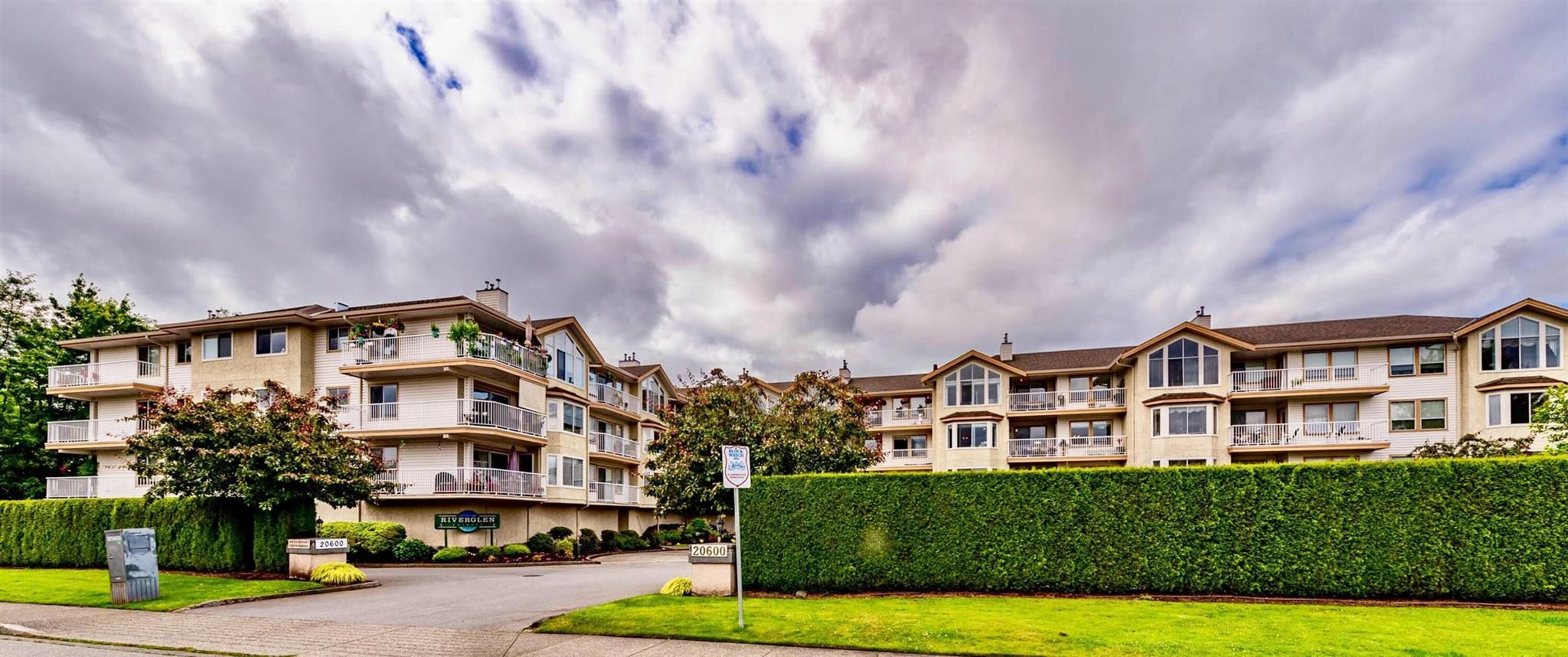 Main Photo: 213 20600 53A Avenue in Langley: Langley City Condo for sale : MLS®# R2593027