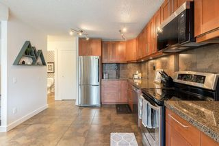 Photo 7: 24 10001 BROOKPARK Boulevard SW in Calgary: Braeside Row/Townhouse for sale : MLS®# C4297216