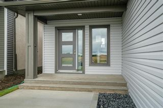 Photo 4: 8 Briarfield Court in Niverville: Fifth Avenue Estates Residential for sale (R07)  : MLS®# 202101608