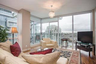 """Photo 8: 1504 1455 HOWE Street in Vancouver: Yaletown Condo for sale in """"POMARIA"""" (Vancouver West)  : MLS®# R2387626"""