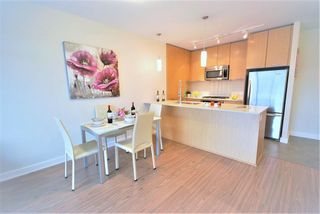Photo 3: 2308 301 Capilano Road in Port Moody: Port Moody Centre Condo for sale : MLS®# R2153722