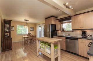 Photo 1: 235 CHARLES Avenue in Morris: R17 Residential for sale : MLS®# 202027108