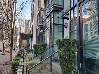 "Photo 2: 1243 SEYMOUR Street in Vancouver: Downtown VW Townhouse for sale in ""elan"" (Vancouver West)  : MLS®# R2519042"