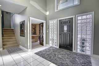 Photo 3: 112 Castle Keep in Edmonton: Zone 27 House for sale : MLS®# E4229489