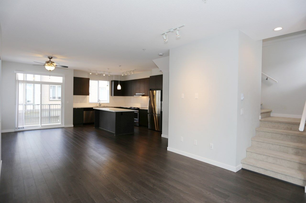 """Photo 7: Photos: 126 8138 204 Street in Langley: Willoughby Heights Townhouse for sale in """"Ashbury  & Oak"""" : MLS®# R2398814"""