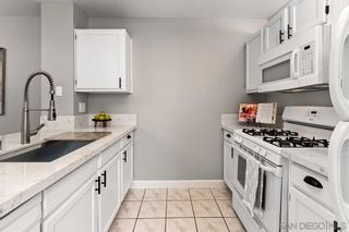 Photo 8: CROWN POINT Condo for sale : 2 bedrooms : 3984 Lamont St #8 in San Diego