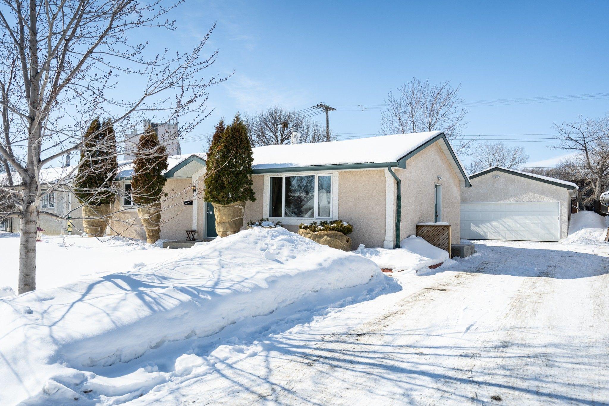 Main Photo: 134 Braintree Crescent in Winnipeg: Jameswood House for sale (5F)  : MLS®# 1905333
