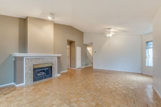 """Photo 10: 11 21138 88 Avenue in Langley: Walnut Grove Townhouse for sale in """"SPENCER GREEN"""" : MLS®# R2237457"""