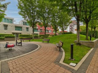 """Photo 29: 169 MILROSS Avenue in Vancouver: Downtown VE Townhouse for sale in """"Creekside at Citygate"""" (Vancouver East)  : MLS®# R2622901"""