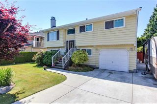 Photo 3: 4742 46 Avenue in Delta: Ladner Elementary House for sale (Ladner)  : MLS®# R2281596