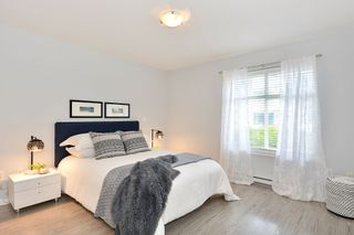 """Photo 12: 110 15621 MARINE Drive: White Rock Condo for sale in """"PACIFIC POINT"""" (South Surrey White Rock)  : MLS®# R2348468"""