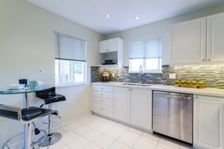 """Photo 7: 302 2620 JANE Street in Port Coquitlam: Central Pt Coquitlam Condo for sale in """"JANE GARDEN"""" : MLS®# R2115110"""
