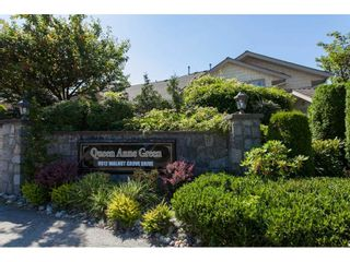 """Photo 2: 98 9012 WALNUT GROVE Drive in Langley: Walnut Grove Townhouse for sale in """"Queen Anne Green"""" : MLS®# R2456444"""
