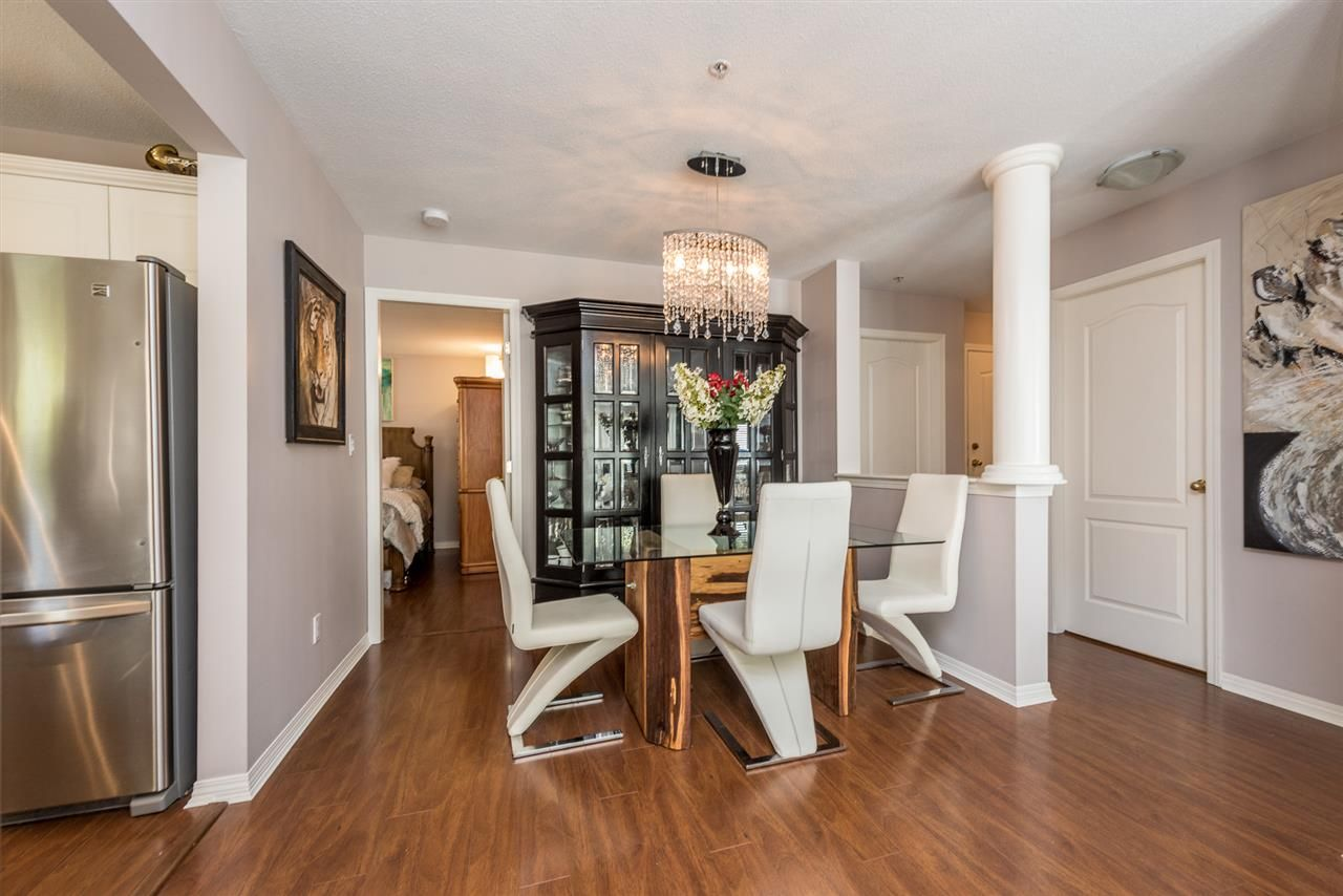 """Photo 6: Photos: 101 130 W 22 Street in North Vancouver: Central Lonsdale Condo for sale in """"THE EMERALD"""" : MLS®# R2159416"""