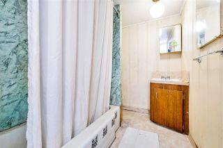 "Photo 14: 4011 GRANT Street in Burnaby: Willingdon Heights House for sale in ""Burnaby Heights"" (Burnaby North)  : MLS®# R2422637"