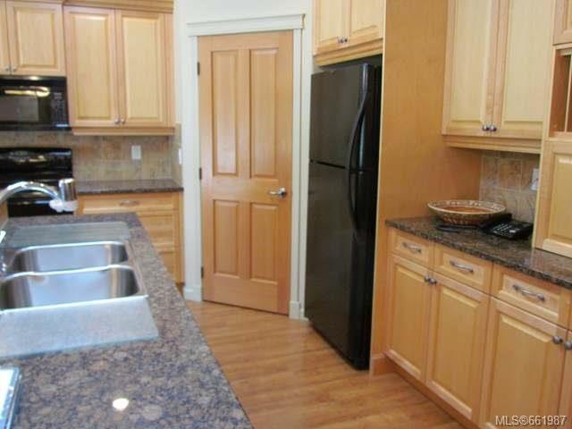 Photo 8: Photos: 5285 Nelsonwoods Pl in NANAIMO: Na North Nanaimo Row/Townhouse for sale (Nanaimo)  : MLS®# 661987