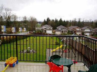 """Photo 3: 24002 MCCLURE DR in Maple Ridge: Albion House for sale in """"MAPLE CREST"""" : MLS®# V529903"""